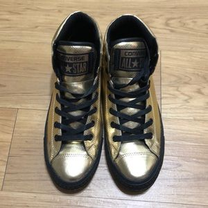 Converse gold size 9 new never wear